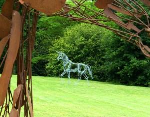Alerte (détail) et La Licorne - sculptures de Christian Hirlay - crédit photo Yseult Carré