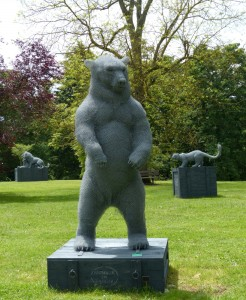 L'Ours, Les Lions et La Panthère » - sculpture de Aurélien Raynaud - crédit photo Yseult Carré